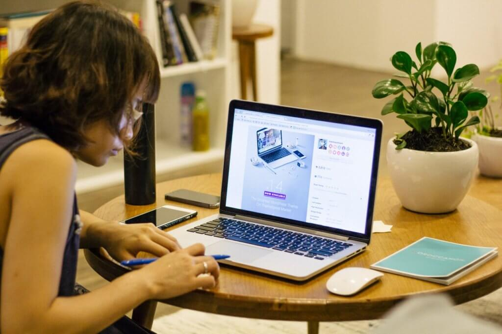 lady doing prep work for new website