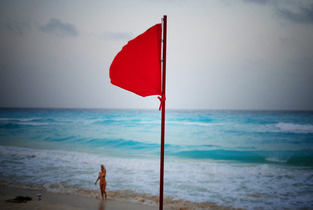 red flags to watch for when you hire a web designer