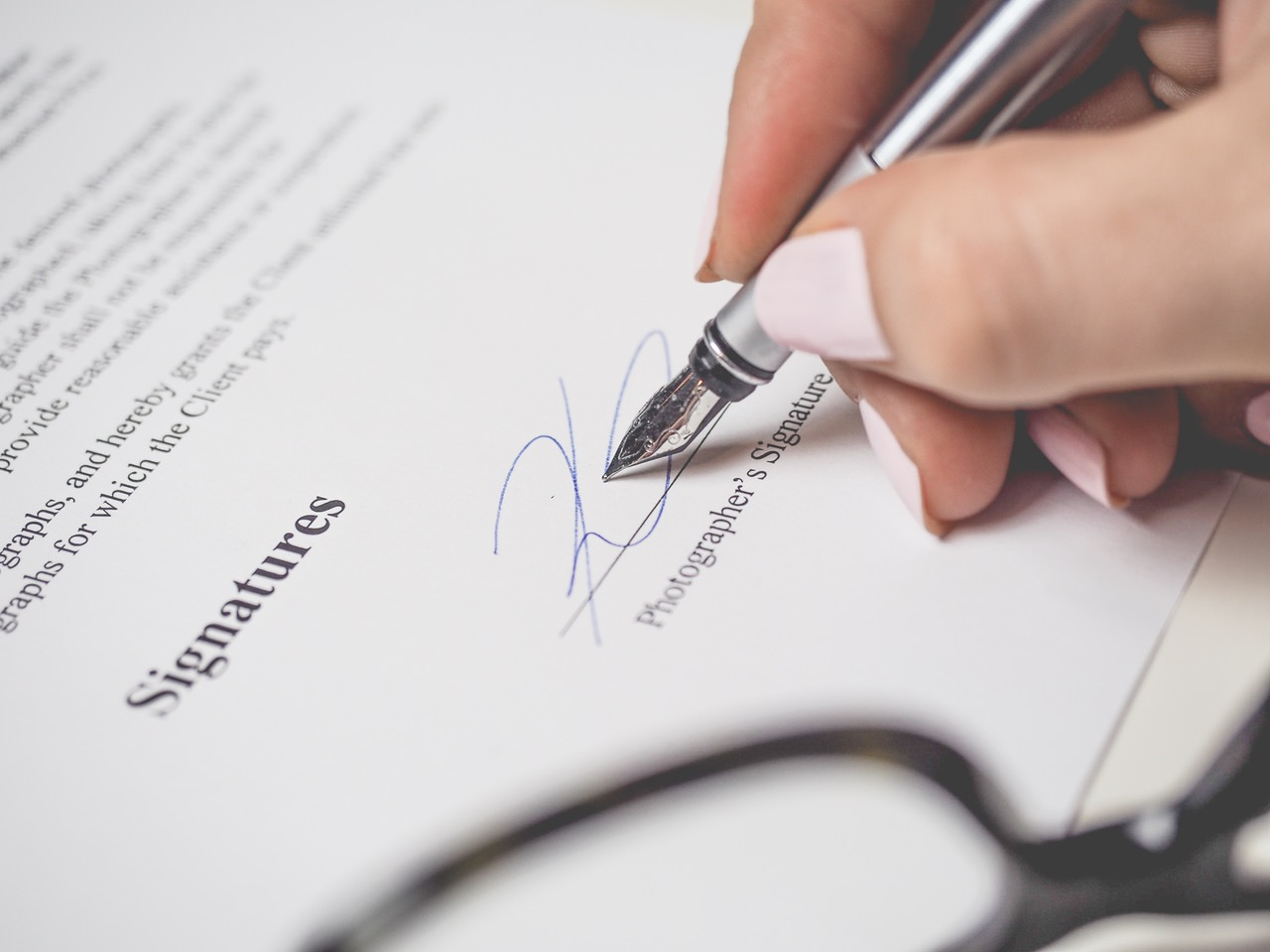 when you hire a web designer, make sure you understand the contract fully before signing